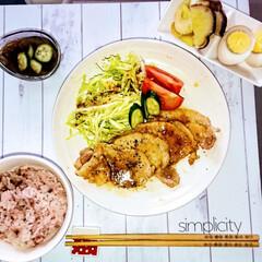 栄養バランス/時短/常備菜/雑穀米/フォロー大歓迎/おうち/... 今日のおうちごはん 豚肉しょうが焼き、も…