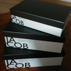モノトーン/モノトーンインテリア/衝動買い/フォロー大歓迎/100均/キャンドゥ CAN DOでこんなに可愛い箱をみつけて…