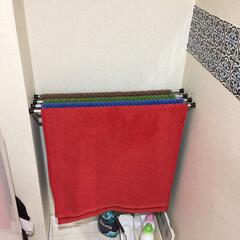 シンデレラフィット/住まい ランドリールームの壁の凹みにバスタオルが…
