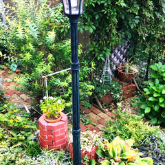 庭/住まい 庭にソーラーライトを設置しました(^^)