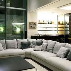 リビングルーム/Molteni Sofa Set/ホームバー 高輪台の家