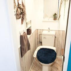 DreamStecker/ドリームステッカー/ヘリンボーン/ヘリンボーン床/フロアシート/フロアシートRSF-19/... トイレの床をドリームステッカーさんのフロ…