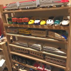 プラレール収納/おもちゃ収納/プラレール/DIY/100均/セリア/... セリアの板とすのこでプラレールの車両収納…