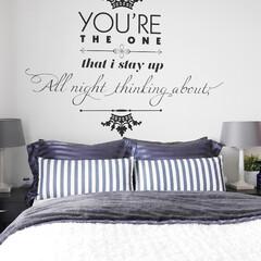寝室/ウォールデコ/ウォールステッカー/タイポ シンプルに、でもおしゃれに仕上げたい寝室…