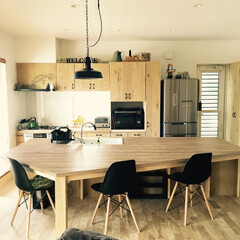 イームズチェア/造作家具フルオーダー/100均/ダイソー/キッチン/カフェ 大きなシンクと一体型のダイニングテーブル…