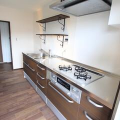 団地/システムキッチン/オープンキッチン/モザイクタイル/クリナップ/クリンレディ ワンフロアのLDKでオープンなキッチンだ…