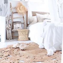 ホワイトインテリア/寝室/インテリア/DIY/雑貨/家具/... 白を基調としてるので、夏でも暑苦しくなく…