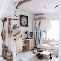 海外風インテリア/ボヘミアンインテリア/ナチュラルインテリア/ホワイトインテリア/空間デザイン/リビング/... ベッドからリビングへの景色。暑くなってき…
