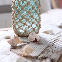 麻紐/簡単リメイク/ガラスボトル/夏インテリア/インテリア/DIY ガラスボトルに麻の編み上げで、涼しげ夏イ…