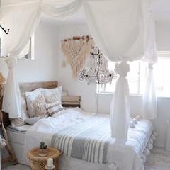 寝室インテリア/カーテン/イケア/天蓋/寝室/IKEA 天蓋とか付けちゃったりして♪やり方がとて…