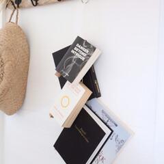 見せる収納/魅せる収納/収納/book/本 本の新しい収納の提案★ ひっかけるだけの…