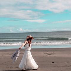 ワントーンコーデ/白コーデ/千葉/館山/テンガロンハット/海/... 今年の夏の海ファッション 白のティアード…