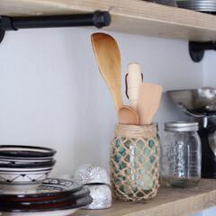 ダイソー/ガラスボトル/ガラス瓶/夏インテリア/DIY/雑貨/... 網のガラス瓶には、キッチンウッドツールを…
