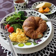 クロワッサン/焼きたてパン/朝食/ワンプレート/カフェ風/モーニング/... ある日の朝食です。 カリッと焼いたクロワ…