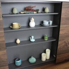 雑貨/北欧ヴィンテージ/カップ&ソーサー/ドライフラワー/日本の骨とう品/焼き物/... キッチンの飾り棚になります。 こちらには…