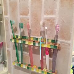 歯ブラシ/洗面所/DIY/ダイソー/住まい/収納 洗面化粧台のミラー扉の裏 100円ショッ…