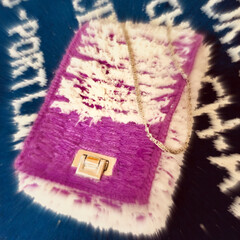 毛糸バック/ハンドメイド 毛糸バック作りました🧶  紫メインの縦長…(1枚目)