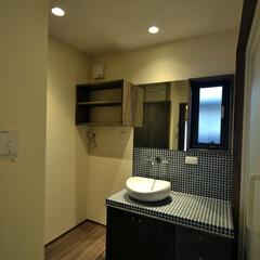 洗面/モザイクタイル/シックな色 高砂の家 洗面はシックな色でまとめました。