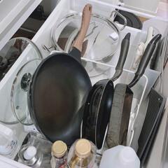 フライパン立て/整理収納アドバイザー/キッチン収納/ニトリ/フライパン収納 我が家のフライパン収納。  今使っている…