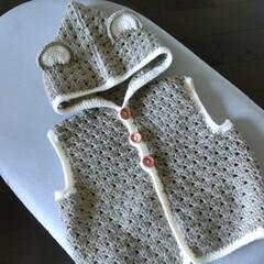 かぎ針/ベビー服 かぎ針一本で簡単に編めました。友人の子供…