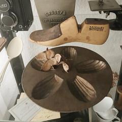 マドレーヌ型/お菓子型/ブロカント/錆びペイント/リメイク マドレーヌ型にアクリル絵の具で錆びペイン…