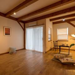 住む/賃貸/おしゃれ物件/木の温もり/ティンバーフレーム/天井が高い/... ティンバーフレームならではの高い天井と美…