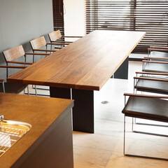 無垢/鉄/ウォールナット/くるみ/シンプル/モダン/... ダイニングテーブルは 厚さ40ミリのウォ…