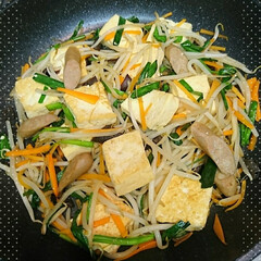 チャンプルー/おかず/夕飯 今日の夕飯のおかずは豆腐のチャンプルーで…(1枚目)
