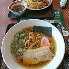 ラーメン/高速道路/SA 先日のお出かけ昼食🍜 細麺モッチリで美味…