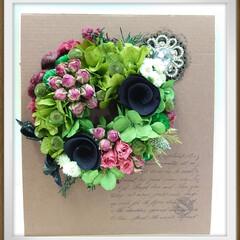 教室/プリザーブトフラワー/プリザ/イチゴ 今月のプリザ教室での作品です 黒い花(ウ…(2枚目)