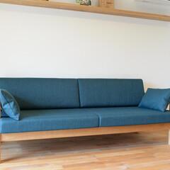 オーダー家具/東京 チェリーと深いターコイズブルーの組み合わ…