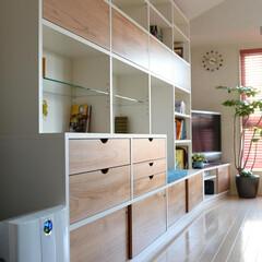 オーダー家具/壁面収納 オフホワイトとチェリーの組み合わせ。 ホ…