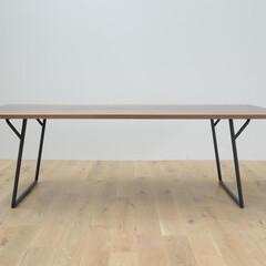 鉄脚/ダイニングテーブル/無垢 無垢の天板と無垢の鉄。少ない要素で木と鉄…