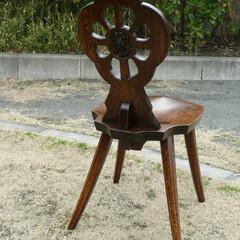椅子/チェアー/彫刻/注文家具 この椅子は、娘さんが小学校に入学した記念…