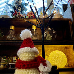 クリスマス/クリスマスインテリア/編み物/雪だるま/ハンドメイド/雑貨/... 今日は雪だるまちゃん編んでみました☺️ …