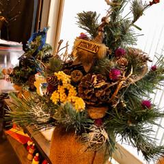 リース/オーナメント/松ぼっくり/クリスマス2019/リミアの冬暮らし/雑貨/... やっと放置してた🎄飾り付けしました☺️ …