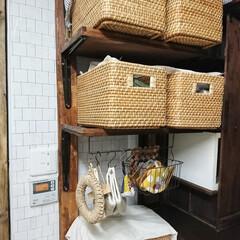 ラブリコ棚/ラブリコDIY/おうち/キッチン収納/カゴ収納/収納/... 籠収納 それぞれの籠に分けて、スッキリで…