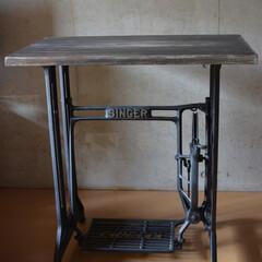 アンティーク/テーブル/ミシンテーブル/シンガー/シンガーテーブル/アンティークテーブル/... -デザインコンセプト- 当スタジオのデザ…(1枚目)