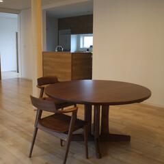 ウォールナット/ダイニングテーブル/丸テーブル/ウォルナット 『熱い男が作るウォルナットの丸テーブル』…