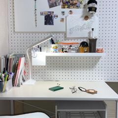 有効ボード/有こうボード/ディアウォール/ホワイトインテリア/2×4/勉強机/... 娘の部屋の模様替えです。  ラブリコと2…