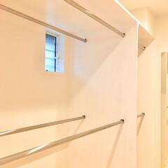 納戸/クローゼット/ウォークインクローゼット/収納/造り付け収納/ウォークインクローゼット 収納/... 2階サニタリー、寝室、在宅勤務ワークスペ…
