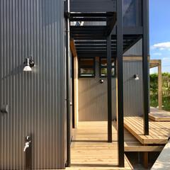 自然素材の家/2階リビングの家/ソーラーシステムそよ風/ウッドデッキ の中庭/ウッドデッキ/バックヤード/... 2階リビングの自然素材の家のウッドデッキ…