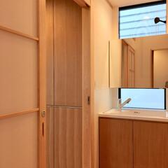 自然素材の家/2階リビング/洗面コーナー/造作洗面化粧台/小山町/注文住宅/... 2階リビングの自然素材の家の吹き抜け、高…