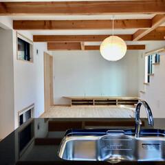 自然素材の家/二世帯住宅/健康住宅/ソーラーシステムそよ風の家/造作キッチン/造り付け収納/... 珪藻土や無垢の木など自然素材で建てた二世…