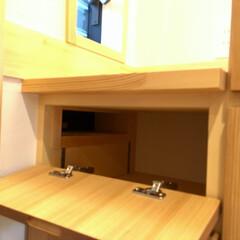 自然素材の家/ソーラーシステムそよ風/2階リビング/造作下駄箱/ビルトインポスト/造作玄関収納/... 造り付けで作成した造作下駄箱のビルトイン…