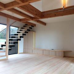 自然素材の家/ソーラーシステムそよ風/吹き抜け/リビング鉄骨階段/離れ/二世帯住宅/... 太陽熱で床暖房するソーラーシステムそよ風…