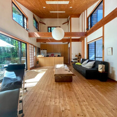 自然素材の家/アルフレックス/ベンゴディ/イサムノグチ/AKRI/ソーラーシステム/... 築20年以上経過した自然素材の家。  吹…(1枚目)