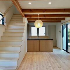 自然素材の家/ソーラーシステムそよ風の家/珪藻土/無垢の木/木の家/リビング階段/... 自然素材で建てた太陽熱で床暖房する「ソー…
