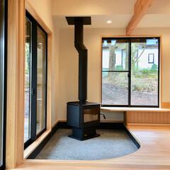 自然素材の家/平家の自然素材の家/ソーラーシステムそよ風/湿気対策/別荘湿気対策/床暖房/... 富士急山中湖畔別荘地の平家の別荘。  画…