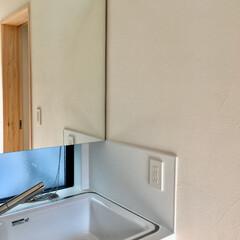 自然素材の家/珪藻土/無垢/木の家/注文住宅/造り付け洗面化粧台/... 造り付けで作成した洗面化粧台です。  建…